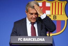 """J. Laporta atskleidė, kokia skola slegia """"Barceloną"""""""