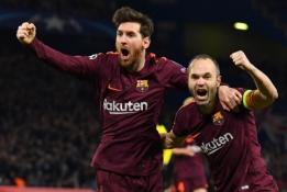 """A. Iniesta: """"Bus skaudu matyti Messi su kitos komandos marškinėliais"""""""