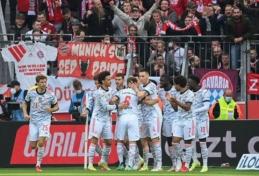 """""""Bayern"""" vakarėlis Lėverkuzene – 5 įvarčiai per vieną kėlinį ir sumindytas """"Bayer"""" klubas"""