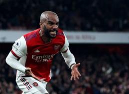 """Londono derbyje dramatiškas lygiąsias """"Arsenal"""" ekipai išplėšė A. Lacazette'as"""