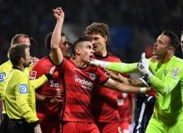 """Po dar vieno pralaimėjimo """"Eintracht"""" maksimaliai priartėjo prie pavojingos zonos"""