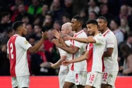 """""""Eredivisie"""" 10 turas: lyderių dvikovoje """"Ajax"""" sutalžė PSV"""