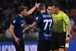 """Aistros Italijoje: """"Inter"""" atstovai įsiveržė į teisėjų kambarį"""