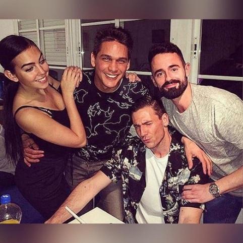 POP: C.Ronaldo mergina - su buvusiais vaikinais (FOTO)