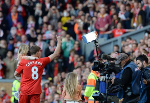 S.Gerrardas Liverpulyje išlydėtas dainomis ir ašaromis (VIDEO)