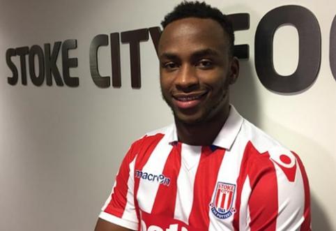 """Oficialu: S. Berahino vilkės """"Stoke City"""" marškinėlius"""