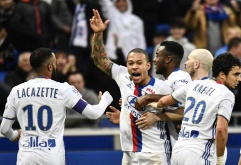 """Ligue 1: M. Depay'aus šou nulėmė """"Lyon"""" pergalę, PSG sudaužė """"Marseille"""" (VIDEO)"""