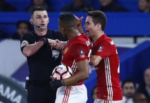 """""""Man United"""" klubui teks sumokėti baudą"""