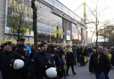 """Sprogimai apgadino """"Borussia"""" autobusą - nukentėjo M. Bartra, ČL ketvirtfinalio mačas atidėtas (PAPILDYTA)"""