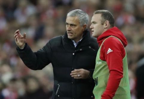 J. Mourinho po mažiau nei mėnesio: pasiilgau Rooney