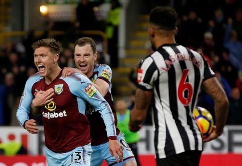 """Burnley"" minimaliu skirtumu pranoko ""Newcastle"" (VIDEO)"