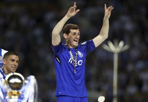 I. Casillasas ir A. Robbenas dar metams pratęsė sutartis su savo klubais