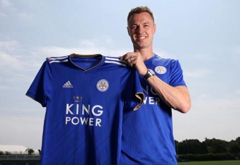 """Oficialu: """"Leicester"""" sukirto rankomis su J. Evansu"""
