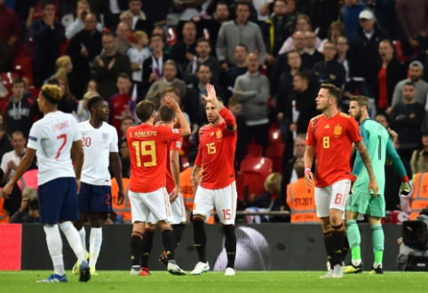 Tautų lyga: Ispanija nugalėjo anglus, šveicarai pažemino islandus