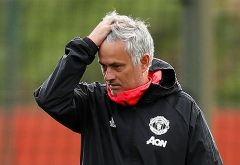 POP: J.Mourinho paguodą rado jaunesnės moters glėbyje?