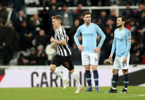 """""""Man City"""" suduotas smūgis Niukasle, """"Man Utd"""" išsigelbėjo mače su """"Burnley"""""""