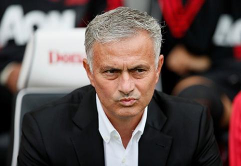 """J. Mourinho: """"Jau atmečiau tris darbo pasiūlymus"""""""