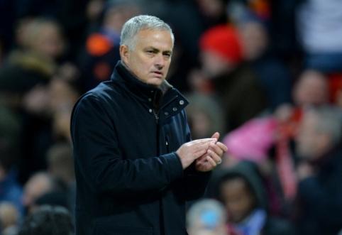 """J. Mourinho sutiktų dirbti """"Lyon"""" arba """"Monaco"""" klube"""