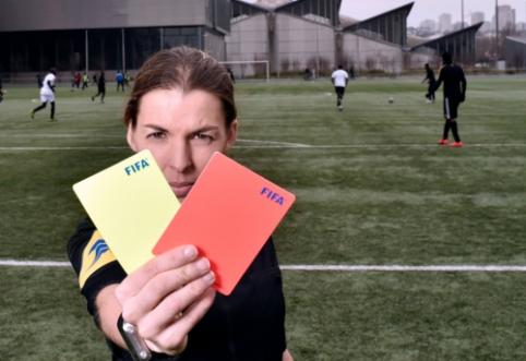 """""""Ligue 1"""" rungtynėms pirmą kartą vadovaus teisėja moteris"""