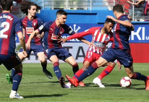 """""""Atletico"""" rungtynių pabaigoje palaužė """"Eibar"""""""