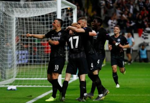 """EL: """"Eintracht"""" atsitiesė namuose, """"Arsenal"""" dar kartą įveikė """"Napoli"""""""