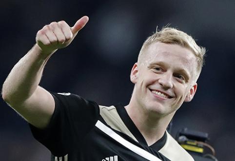 """R. van der Vaartas patarė """"Ajax"""" žvaigždei keltis į Vokietiją"""