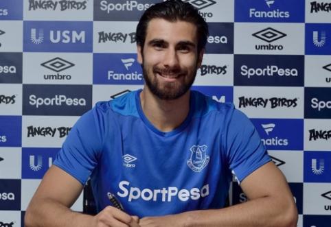 """Oficialu: """"Everton"""" įgijo visas teises į A. Gomesą"""