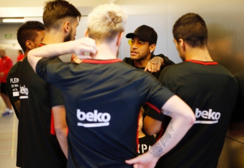 """""""Mundo Deportivo"""": Neymaras pranešė PSG klubo savininkui apie norą grįžti į """"Barcą"""""""