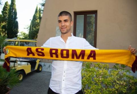 """Oficialu: """"Roma"""" sukirto rankomis su """"Atalanta"""" gynėju"""