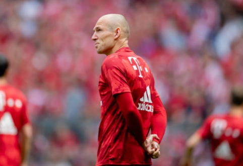 Nyderlandų futbolo legenda A. Robbenas pranešė apie karjeros pabaigą