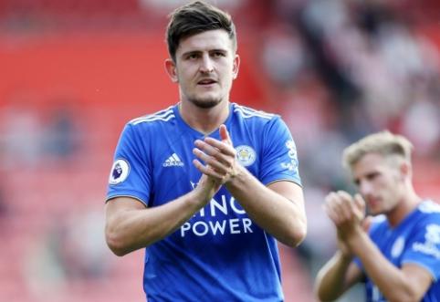 """""""Leicester"""" atmetė 78 mln. eurų vertės """"Man Utd"""" pasiūlymą už H. Maguire'ą"""