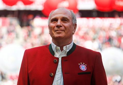 """U.Hoenessas traukiasi iš """"Bayern"""" prezidento posto"""