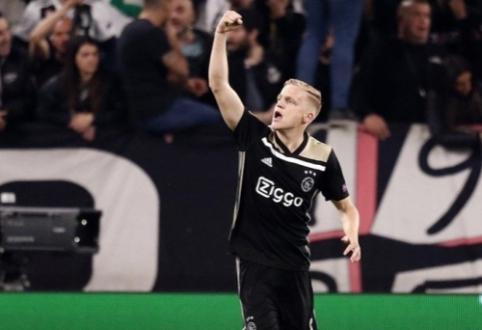 """D. van de Beekas greičiausiai liks """"Ajax"""" klube"""