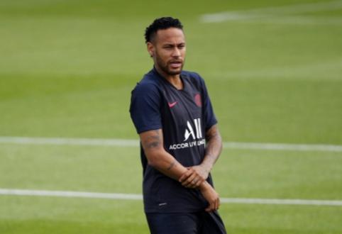 E. Abidalis išvyko į Paryžių pradėti derybas dėl Neymaro