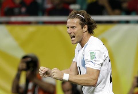 Urugvajaus futbolo legenda D. Forlanas pranešė apie karjeros pabaigą