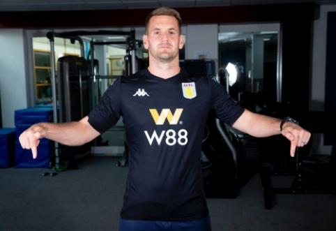 """Aston Villa"" sukirto rankomis su ""Burnley"" vartininku"