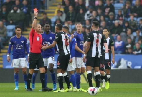 """Po raudonos kortelės sutrupėjusi """"Newcastle"""" pajuto """"Leicester"""" ekipos jėgą"""