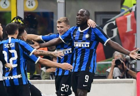 """""""Inter"""" antrajame rungtynių kėlinyje palaužė """"AC Milan"""" ekipą"""