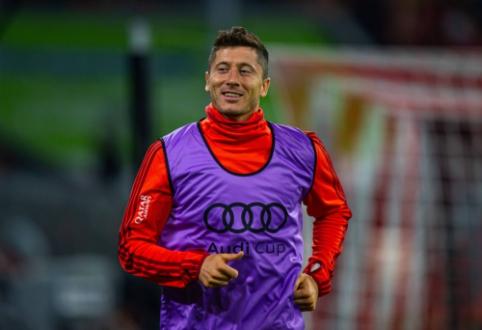 """R. Lewandowskis: """"Svajoju apie tokį atsisveikinimą, kokį turėjo Ribery ir Robbenas"""""""