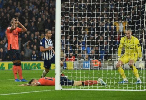 """""""Everton"""" krito mačo pabaigoje, """"West Ham"""" vėl liko be pergalės"""