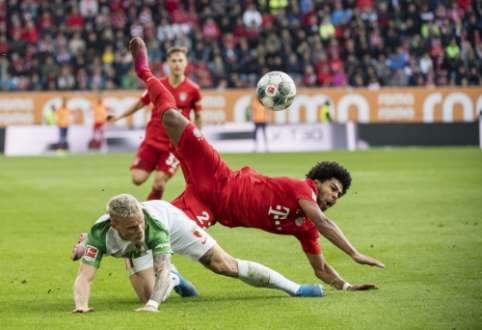 """""""Bayern"""" nesugebėjo įveikti autsaiderių, """"RB Leipzig"""" ir """"Wolfsburg"""" pasidalino po tašką"""