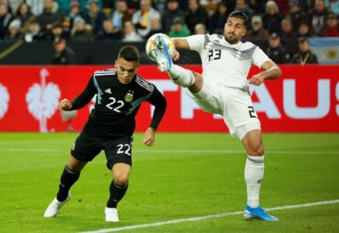 """E. Canas nepatenkintas savo padėtimi """"Juventus"""" gretose"""