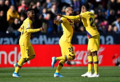 """""""Barca"""" po sunkios kovos palaužė lygos autsaiderius, """"Atletico"""" vėl prarado taškus"""