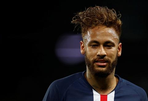"""Neymaras grįžo į aikštę, PSG palaužė """"Lille"""""""