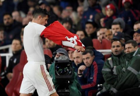 """G. Xhaka prakalbo po incidento su """"Arsenal"""" gerbėjais"""