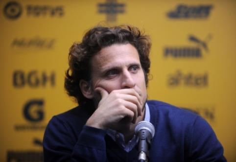 Urugvajaus futbolo legenda D. Forlanas pradeda trenerio karjerą