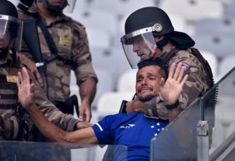 Istorinis Brazilijos klubo pasitraukimas iš aukščiausiojo diviziono: fanų ašaros ir smurto proveržis