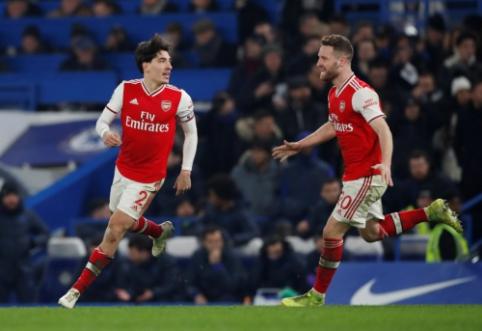 """Neįtikėtina: mažumoje žaidęs """"Arsenal"""" dukart išlygino rezultatą ir išplėšė tašką mače su """"Chelsea"""""""