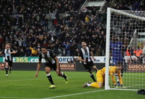 """""""Newcastle"""" paskutinėmis rungtynių sekundėmis palaužė """"Chelsea"""""""