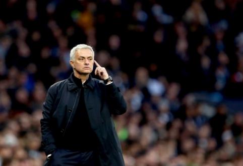 """J. Mourinho: """"Chelsea"""" šiuo metu yra favoritai užimti ketvirtąją vietą"""""""